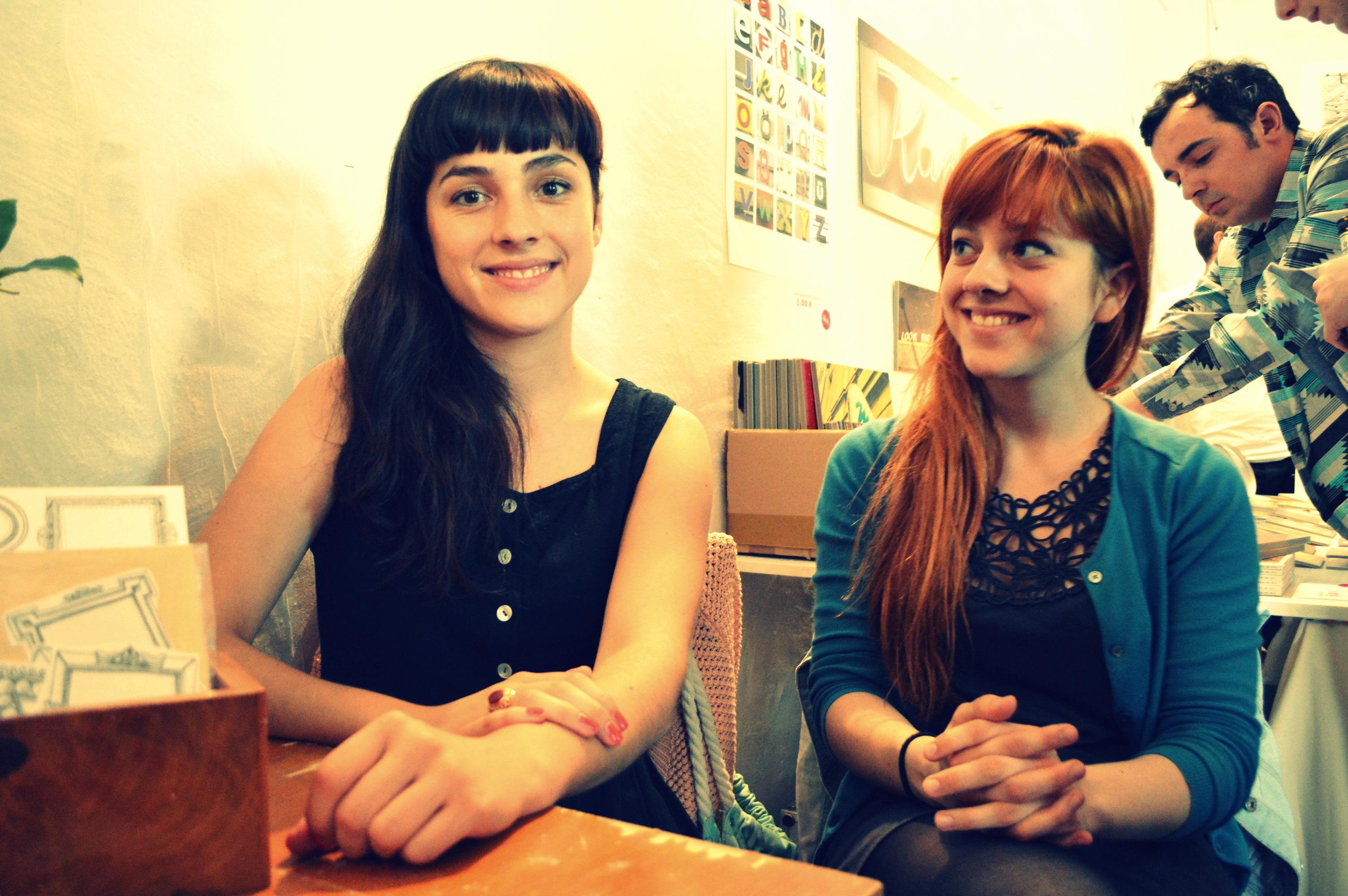 Das sind Larissa (rechts) und ihre Schwester Michelle