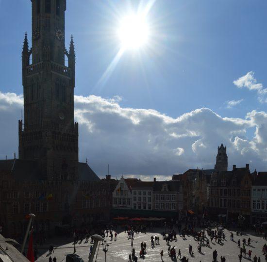 dsc_0743 Der Belfried am Marktplatz - er ist 83 Meter hoch.